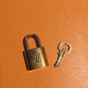 Louis Vuitton Lock & Key 🇫🇷